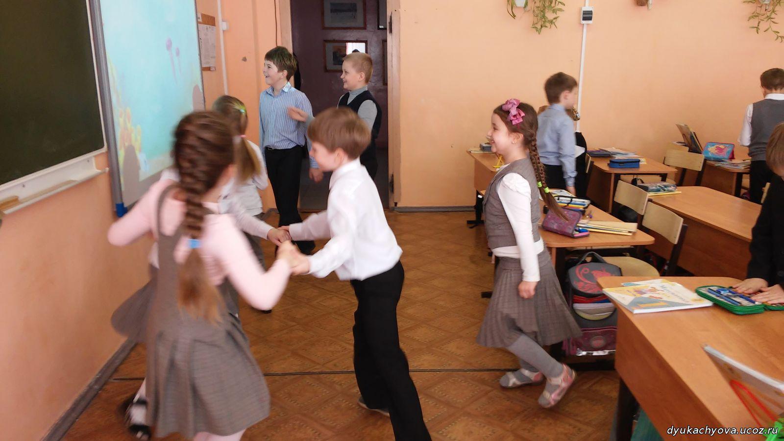 Фото секса на переменах в школе, Школьное порно фото с училками 11 фотография